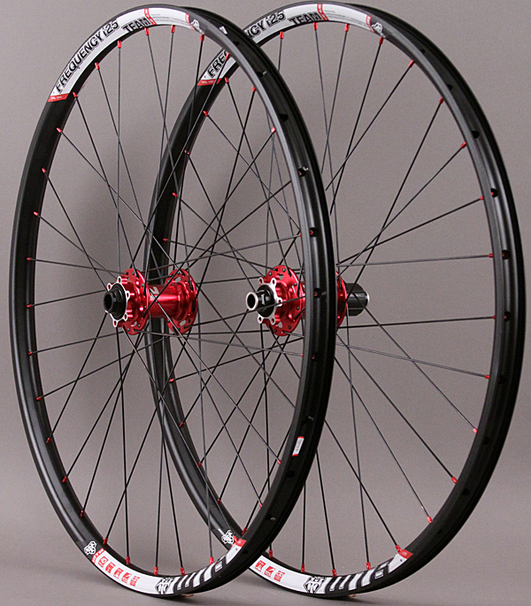 WTB Frequency I25 TCS 27.5 650b Wheels Novatec Red Hubs Thru Axl