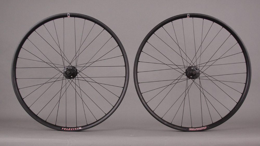 New Velocity Blunt 35 29er Wheelset Black XT Hubs 6 Bolt 32h
