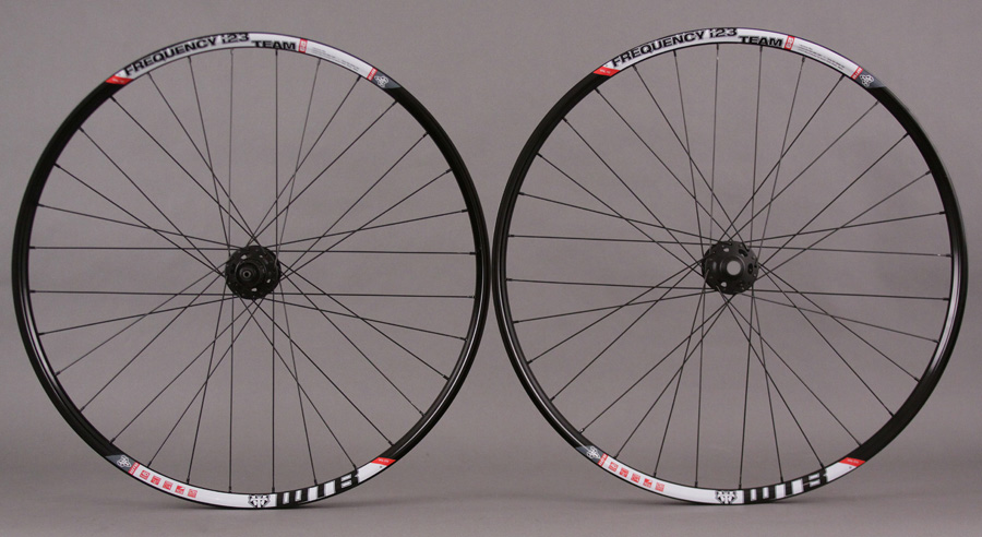 WTB Frequency I23 Tubeless 29er Wheelset XT Hubs 15mm thru front