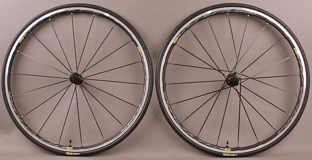 Mavic Ksyrium Elite Ust Tubeless Road Bike Wheelset and Tires
