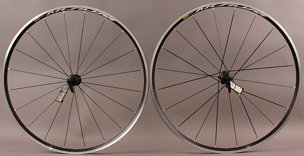 DEMO Mavic Aksium Road Bike Wheelset Shimano/SRAM 20h Closeout