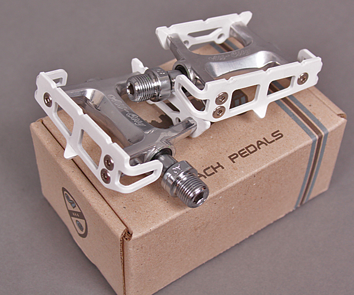 All City Sealed Bearing White Track Pista Pedals 9/16""