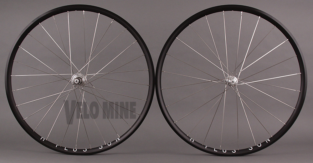 H Plus Son Archetype White Ind Silver T11 hubs Sapim CX Ray