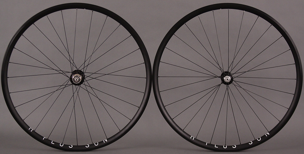 H Plus Son Archetype Wheelset Chris King R45 Black 28 spoke