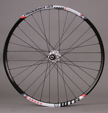 "WTB Frequency I23 TCS Tubeless 26"" Rear Wheel SRAM X9 White Hub"