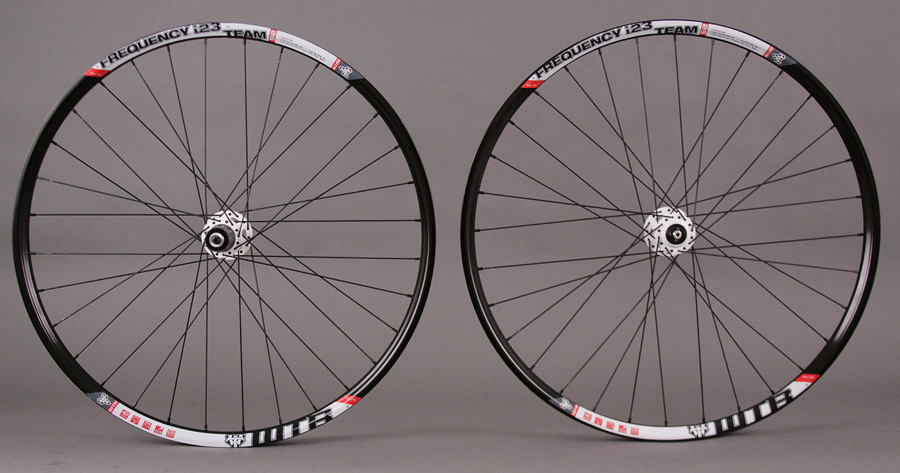 "WTB Frequency I23 TCS Tubeless 26"" Wheelset SRAM X9 White Hubs"