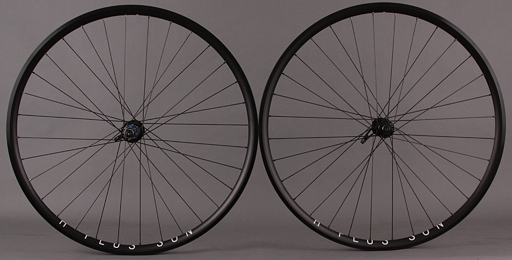H Plus Son Archetype BLACK 32h Campagnolo Record Black Hub